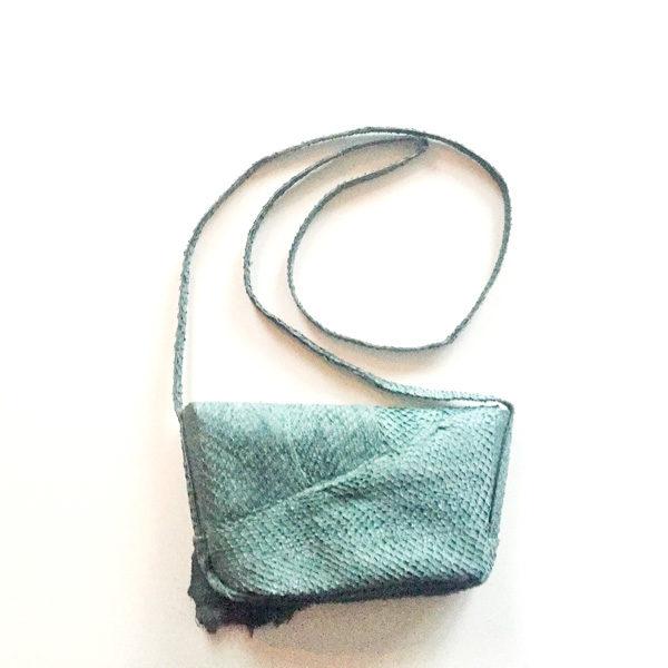 Salmon leather shoulder bag